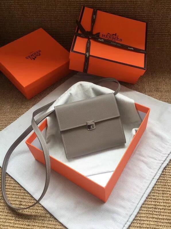 Hermes Clutch Epsom calfskin H0589 grey
