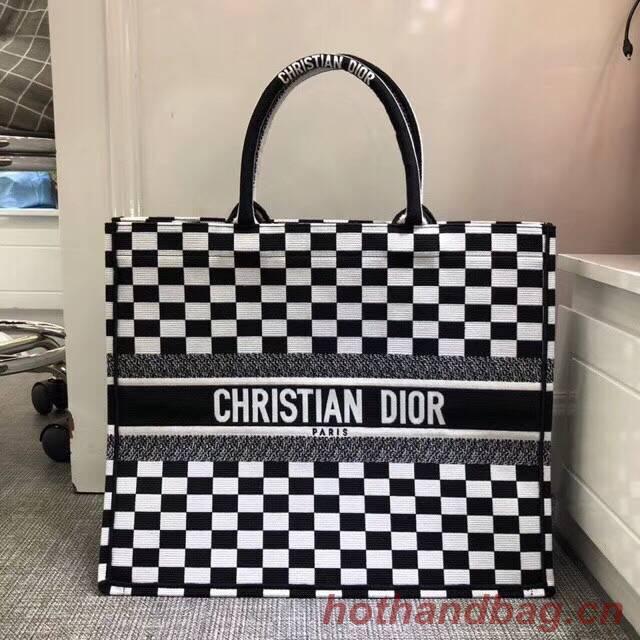 Dior Book Tote Bag Aus Besticktem Dior Oblique Toile 2863 Black&White